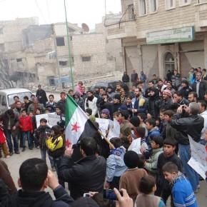 Protest gegen ISIS in Maaret al-Nouman, 03.01.2014.