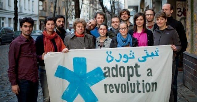 Das Team von Adopt a Revolution Ende 2013