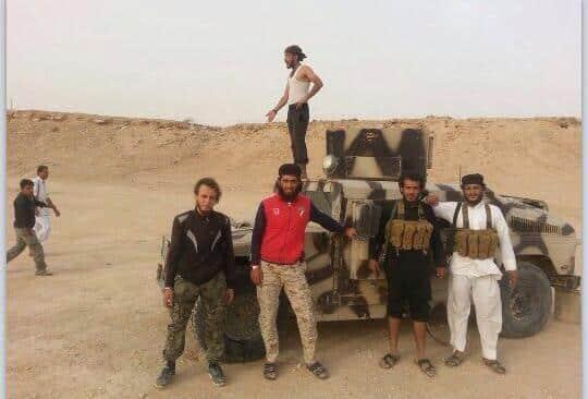 Dschihadisten bringen Militärfahrzeuge aus dem Irak