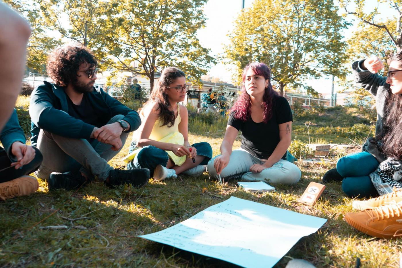 Workshop von Adopt a Revolution. Foto: Mohammed Abou Chucker